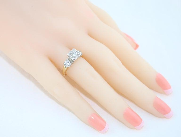Round Cut 1.00 Carat Diamond Three-Stone Gold Ring For Sale
