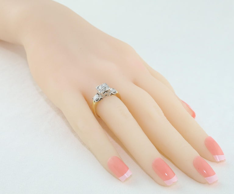 Women's 1.00 Carat Diamond Three-Stone Gold Ring For Sale
