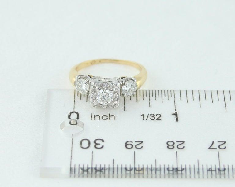 1.00 Carat Diamond Three-Stone Gold Ring For Sale 2