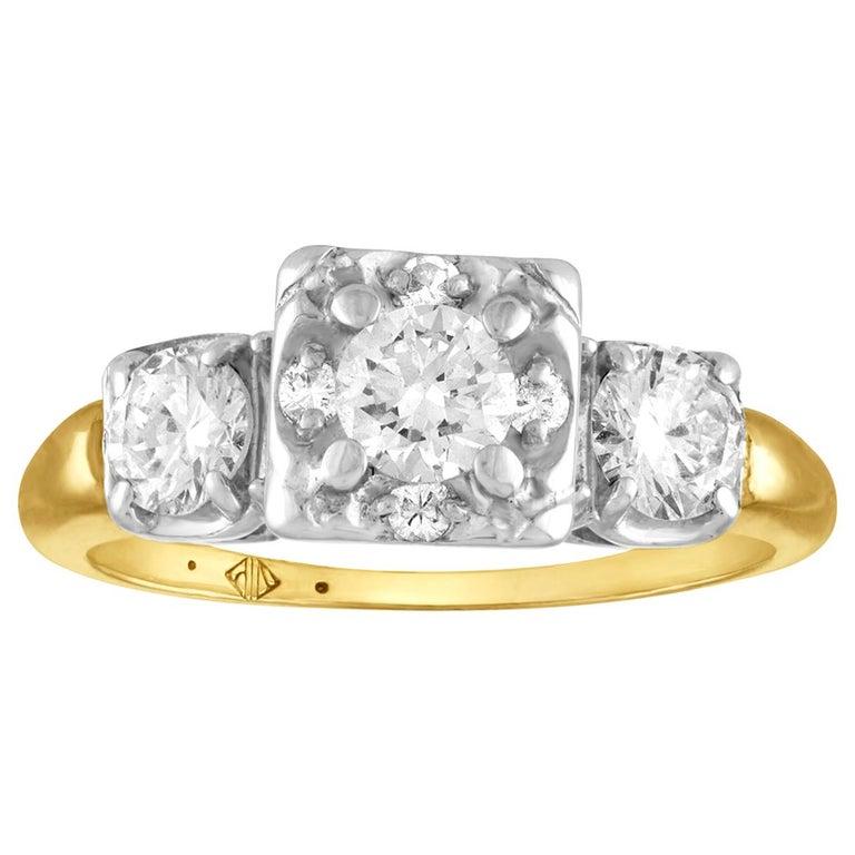 1.00 Carat Diamond Three-Stone Gold Ring For Sale
