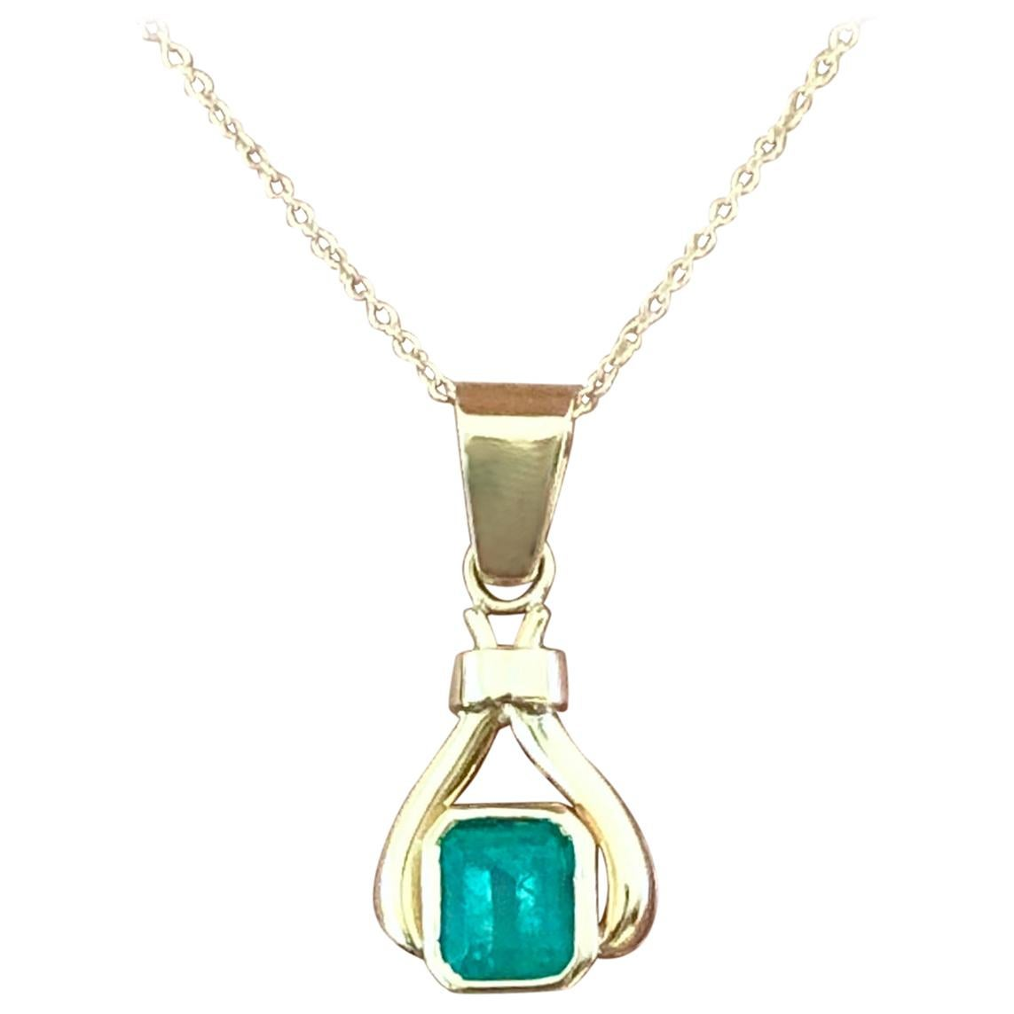 1.00 Carat Natural Colombian Emerald Drop Pendant  18 Karat