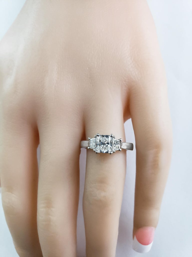 Roman Malakov, 1.00 Carat Radiant Cut Diamond Three-Stone Engagement Ring In New Condition For Sale In New York, NY