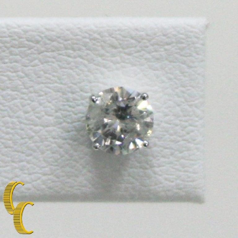 1.00 Carat Round Brilliant Diamond Stud Earrings Set in 14 Karat White Gold For Sale 1