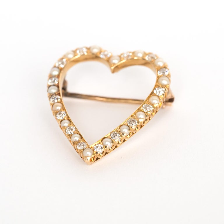 Art Deco 1.00 Carat Total Weight Diamond Yellow Gold Brooch For Sale