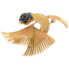 1.00 Carat Total Weight Sapphire Yellow Gold Brooch