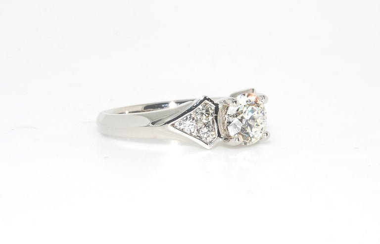 100% Hearts and Arrows Center Diamond Ring, I Color VVS2 18 Karat White Gold In New Condition In Lake Havasu City, AZ