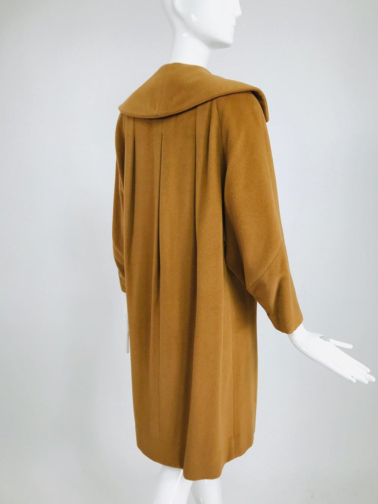 100% Vicuna 1950s Women's Coat in Tobacco Brown, Vintage In Good Condition For Sale In West Palm Beach, FL