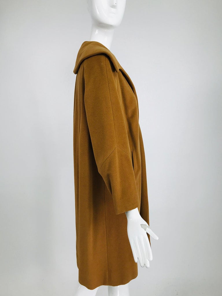 100% Vicuna 1950s Women's Coat in Tobacco Brown, Vintage For Sale 1