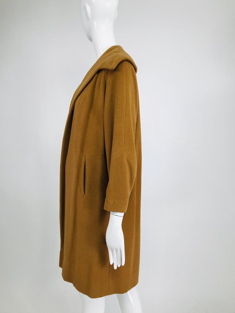 100% Vicuna 1950s Women's Coat in Tobacco Brown, Vintage For Sale 3