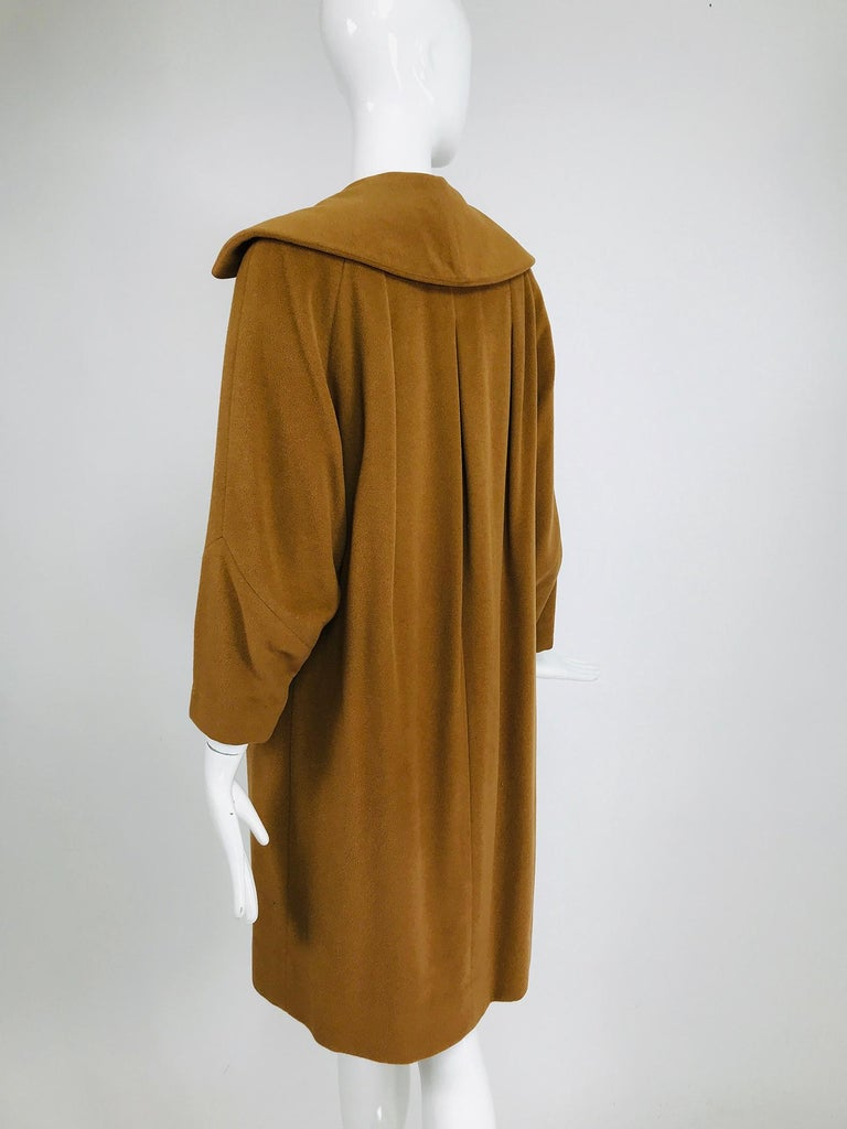 100% Vicuna 1950s Women's Coat in Tobacco Brown, Vintage For Sale 4