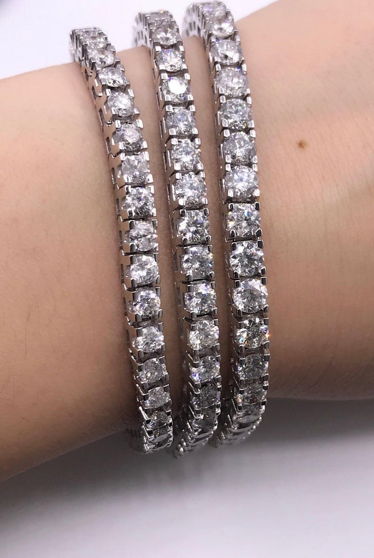 Round Cut 10.00 Carat Diamond Tennis Bracelet, Each Stone 0.25 Carat For Sale