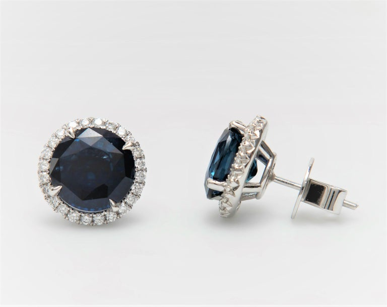 10.01 Carat Total Round Natural Blue Sapphires & Diamond Halo Stud Earrings, 18K In New Condition For Sale In Houston, TX