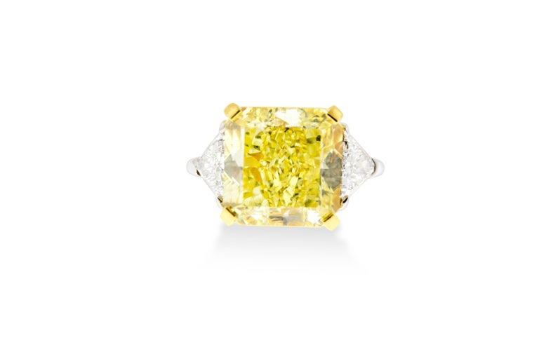 10.01 Fancy Yellow GIA Certified Radiant Cut Diamond Engagement Ring In New Condition For Sale In New York, NY