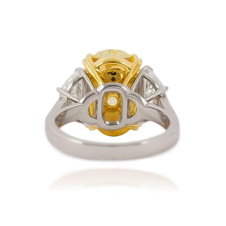 10.03 Carat GIA Certified J. Birnbach Fancy Yellow Oval Diamond Ring In New Condition For Sale In New York, NY