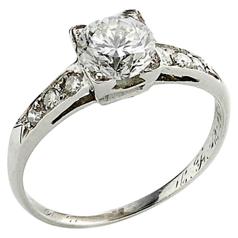 1.01 Carat Brilliant Cut Diamond Platinum Ring For Sale