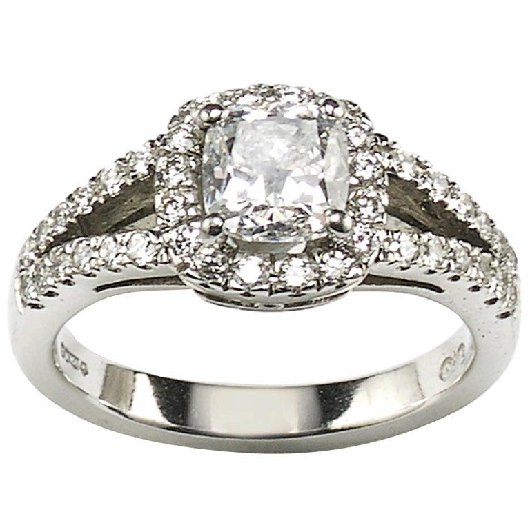 1.01 Carat D SI1 Cushion Diamond Platinum Ring For Sale