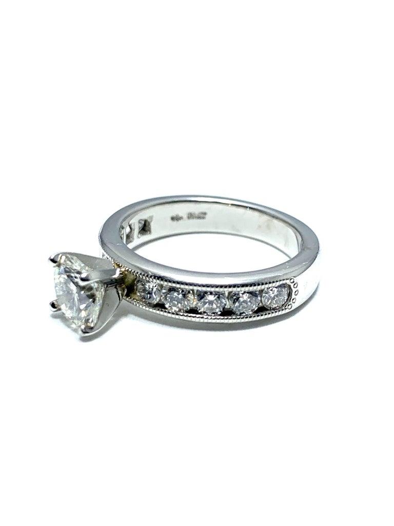 Modern 1.01 Carat Round Brilliant Cut Diamond and Platinum Engagement Ring For Sale