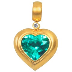 10.10 Carat Natural Colombian Heart Emerald Certified Gold Pendant
