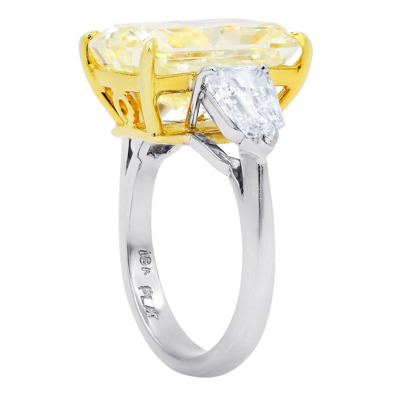 10.15 Carat Fancy Yellow Radiant Cut Diamond Ring, GIA In New Condition For Sale In New York, NY