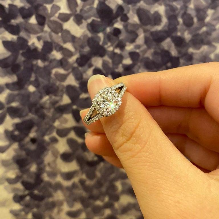 Cushion Cut 1.01 Carat D SI1 Cushion Diamond Platinum Ring For Sale