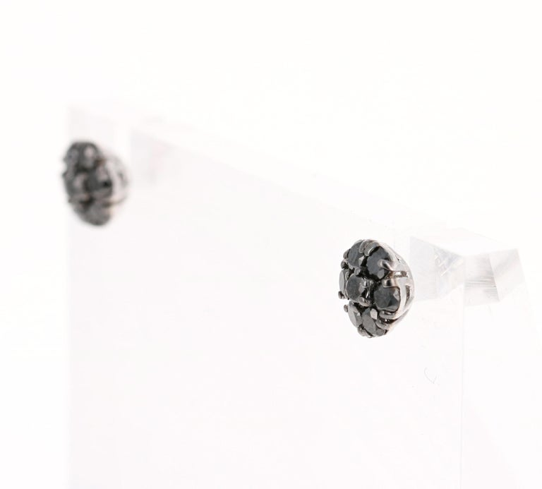 Round Cut 1.02 Carat Black Diamond Flower Design 14 Karat White Gold Stud Earrings For Sale