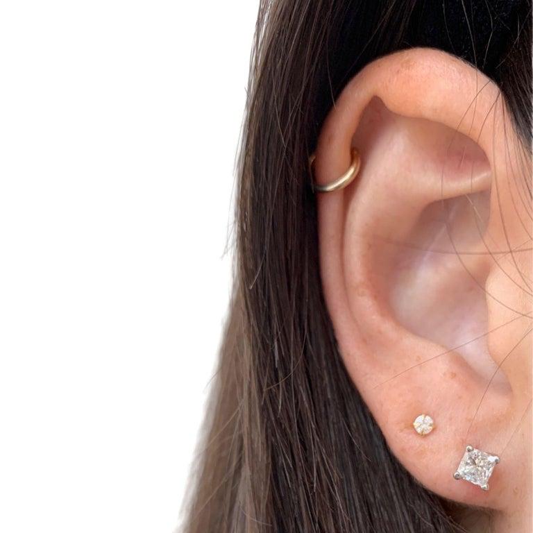 Women's or Men's 1.02 Carat Diamond Stud Earrings For Sale