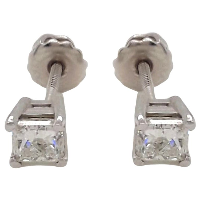 1.02 Carat Diamond Stud Earrings For Sale
