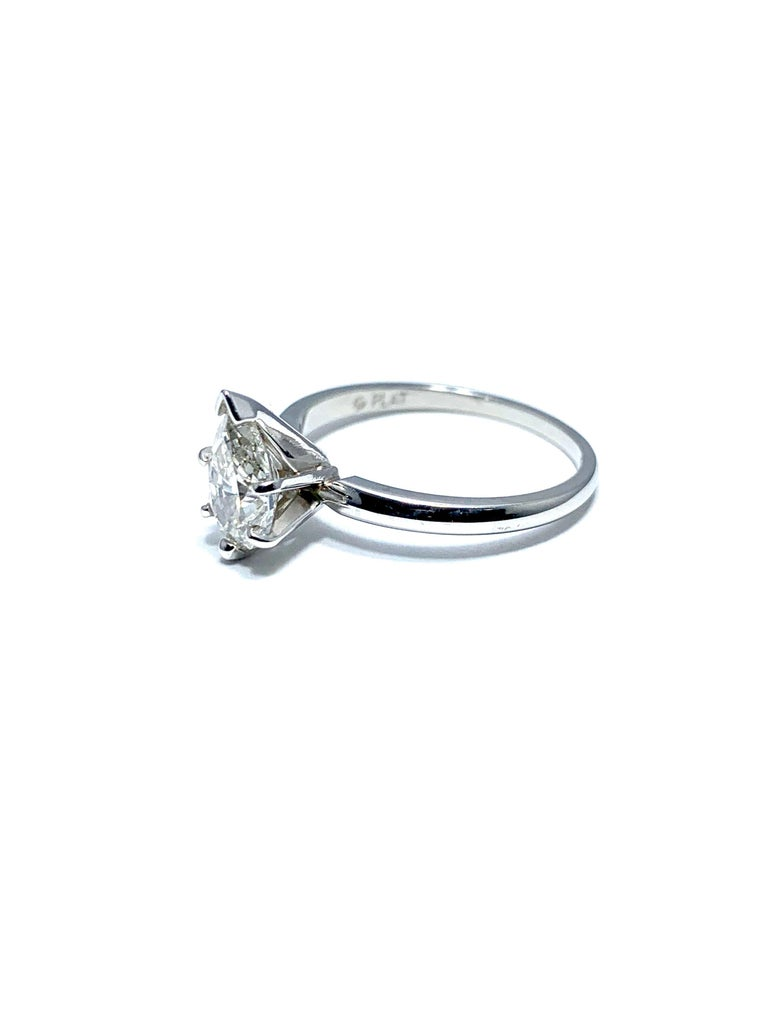 Modern 1.02 Carat Pear Brilliant Cut Diamond and Platinum Engagement Ring For Sale