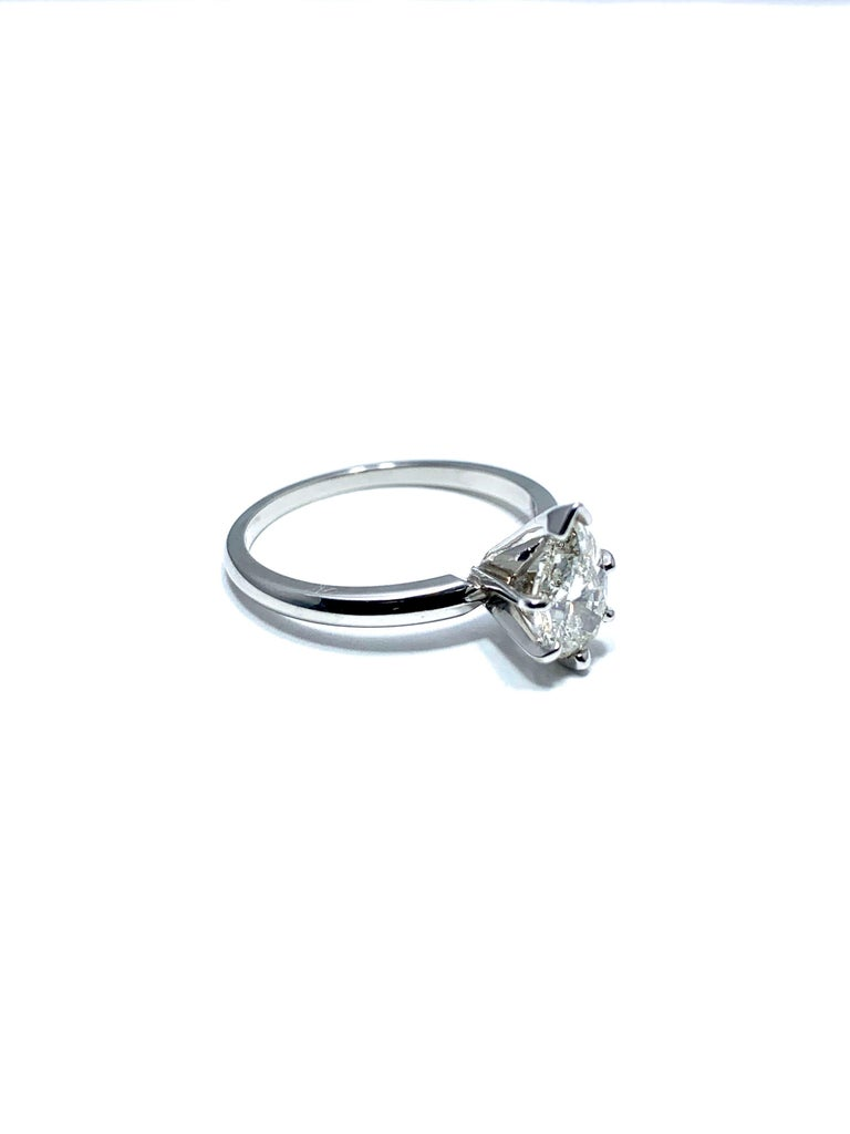 1.02 Carat Pear Brilliant Cut Diamond and Platinum Engagement Ring In Excellent Condition For Sale In Washington, DC