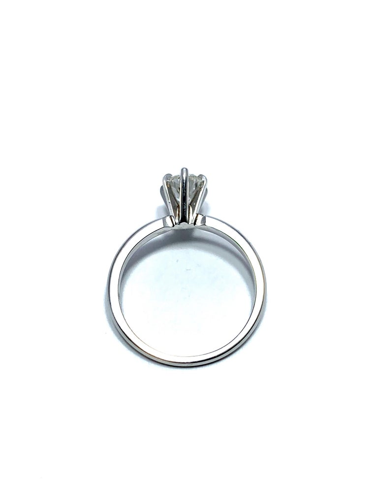1.02 Carat Pear Brilliant Cut Diamond and Platinum Engagement Ring For Sale 1