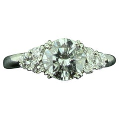 1.02 Round Brilliant Cut Center Diamond Ring Set in Platinum