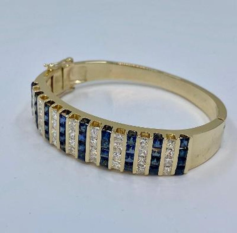 10.20 Carat Princess Cut Diamond and Sapphire Yellow Gold Bangle Bracelet In Excellent Condition For Sale In Tustin, CA