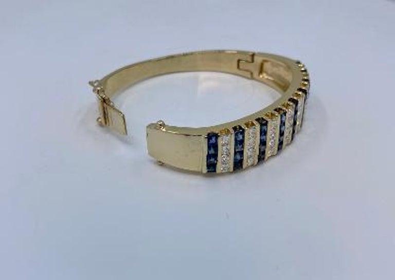 10.20 Carat Princess Cut Diamond and Sapphire Yellow Gold Bangle Bracelet For Sale 3