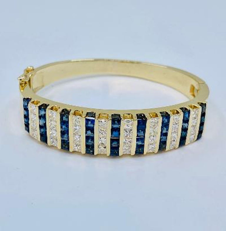10.20 Carat Princess Cut Diamond and Sapphire Yellow Gold Bangle Bracelet For Sale 4
