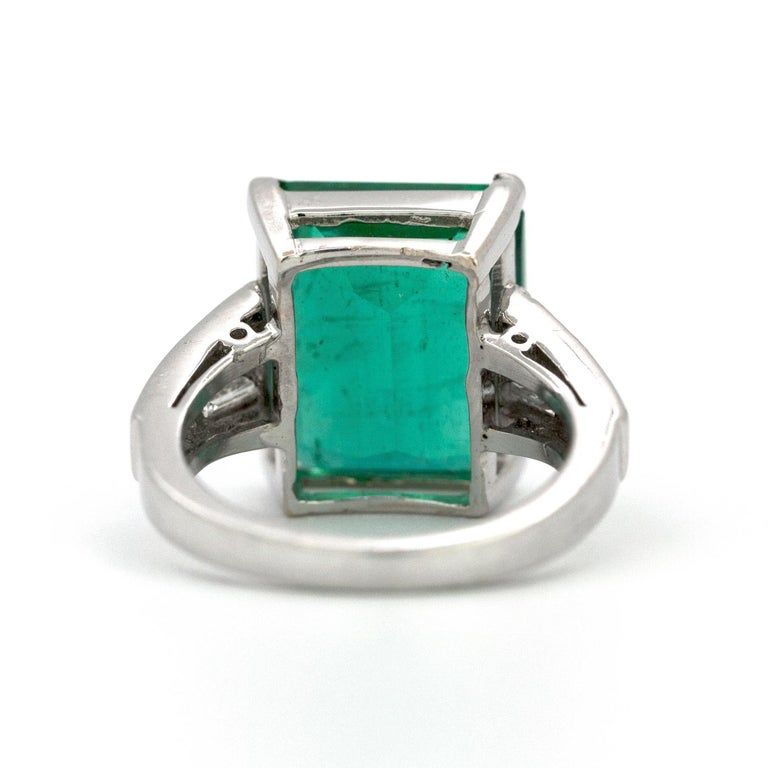 Contemporary 10.23 Carat Natural Columbian Emerald and Diamond Ring For Sale