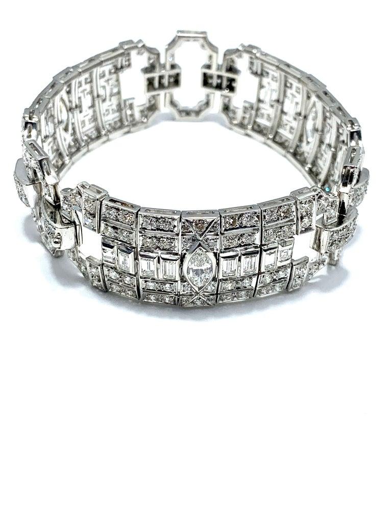 10.25 Carat Art Deco Diamond and Platinum Bracelet For Sale 2
