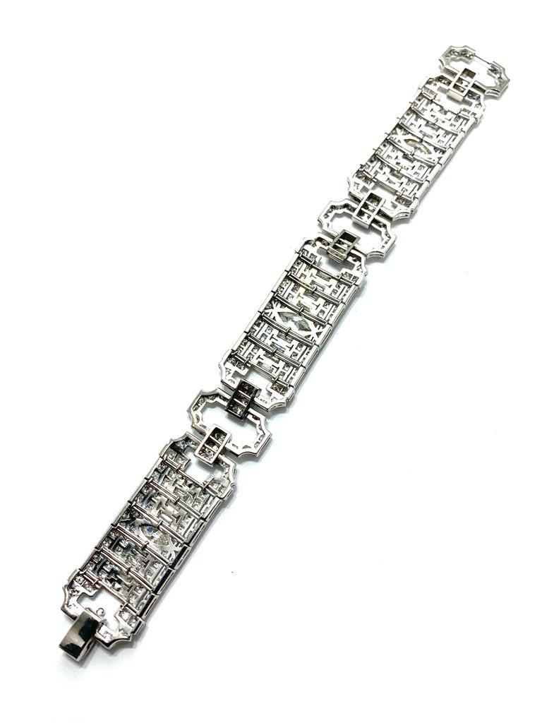 10.25 Carat Art Deco Diamond and Platinum Bracelet For Sale 4