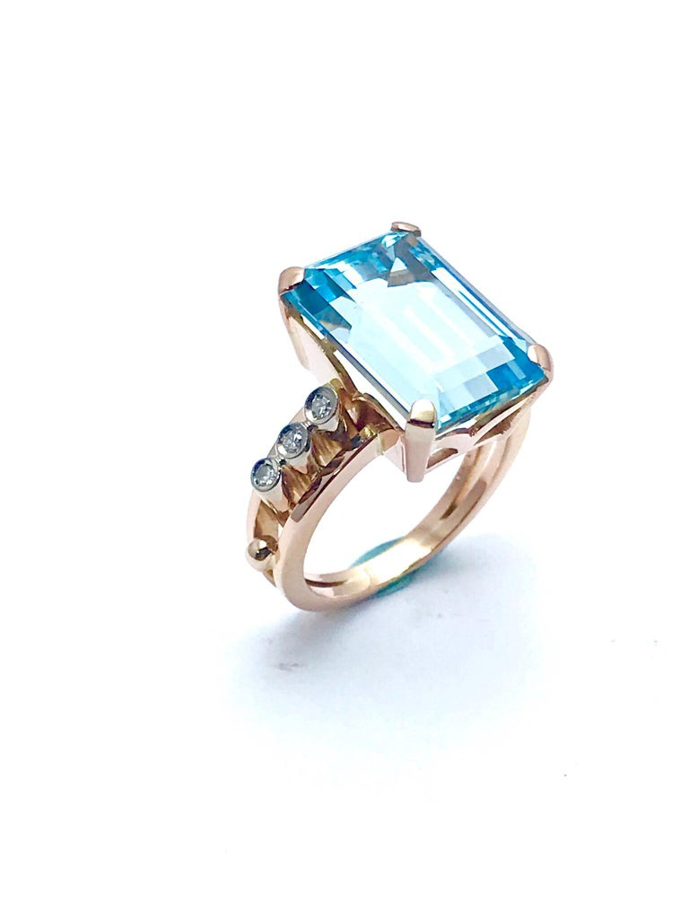 10.46 Carat Emerald Cut Aquamarine and Round Diamond Rose Gold Retro Ring 2