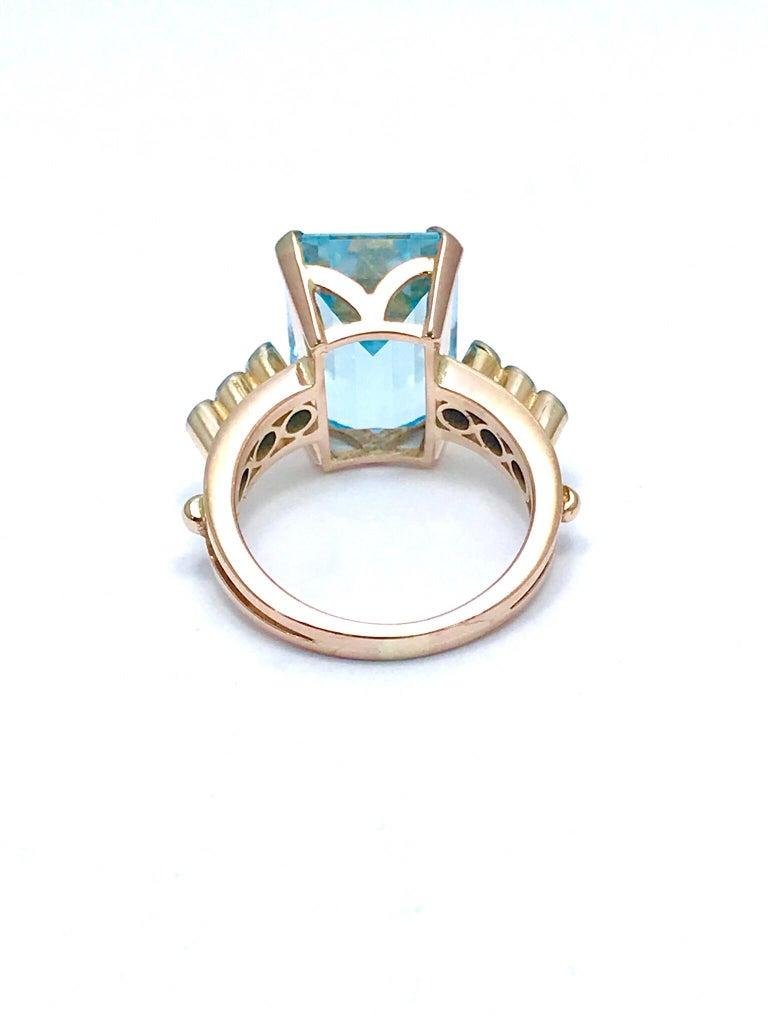 10.46 Carat Emerald Cut Aquamarine and Round Diamond Rose Gold Retro Ring 4