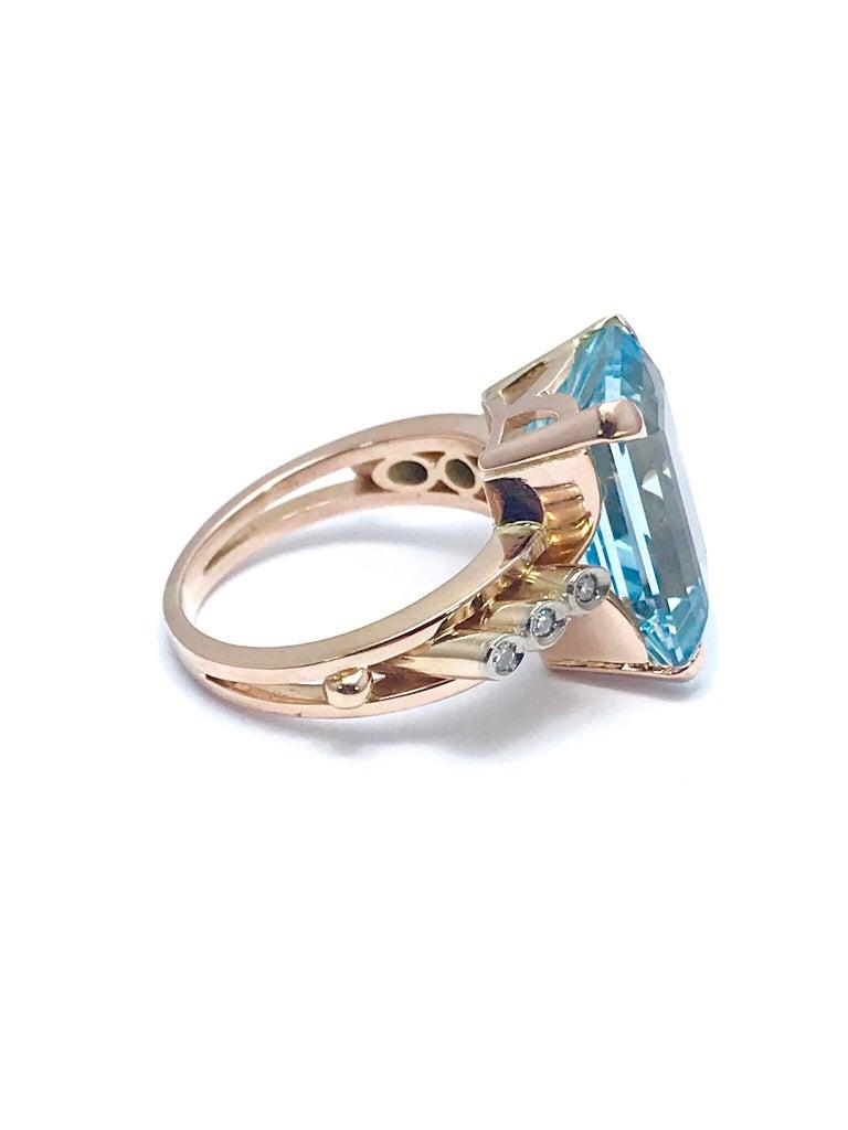 10.46 Carat Emerald Cut Aquamarine and Round Diamond Rose Gold Retro Ring 5