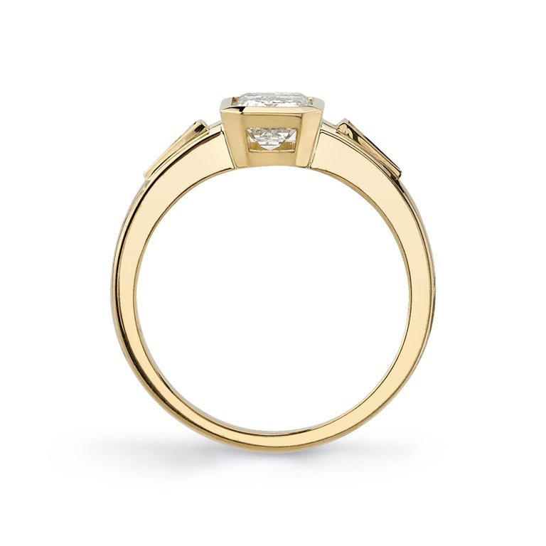 1.05 Carat Emerald Cut Diamond Set in a Handcrafted Yellow Gold Engagement Ring In New Condition For Sale In Los Angeles, CA