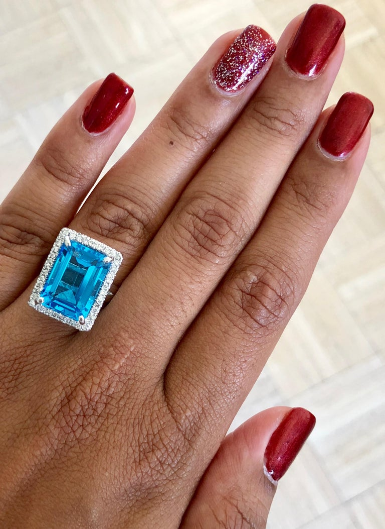 10.59 Carat Blue Topaz Diamond 14 Karat White Gold Cocktail Ring In New Condition For Sale In Los Angeles, CA