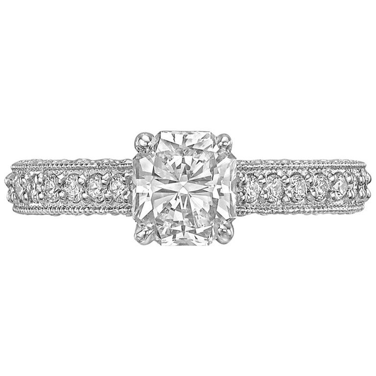 1.06 Carat Radiant-Cut Diamond Engagement Ring For Sale