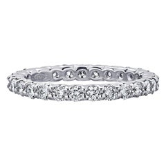 1.06 Carat Conflict Free Shared Prong Diamond Eternity Band in Platinum
