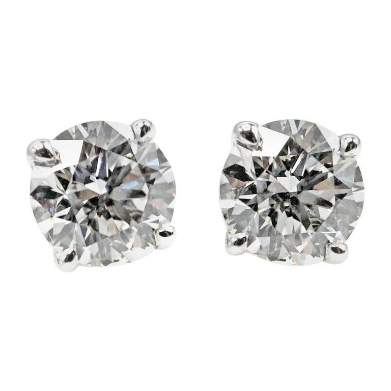 1.07 Carat GIA Certified Round Brilliant Cut Diamond Platinum Stud Earrings For Sale