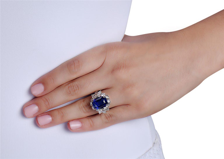 10.73 Carat Royal Blue Sapphire and Diamond Cocktail Ring For Sale 1