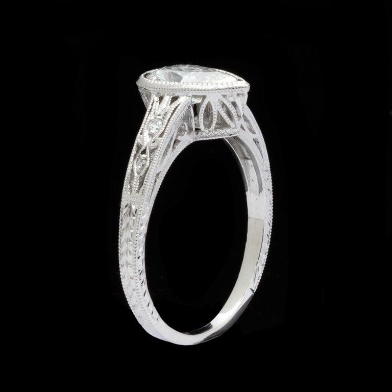 Women's 1.08 Carat Pear Shape Diamond Platinum Ring For Sale