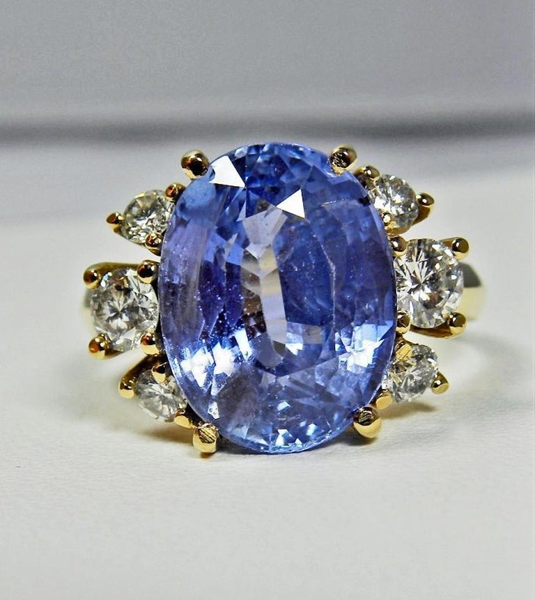 Women's 10.80 Carat Certified Untreated Blue Sapphire Diamond Ring 18K  For Sale