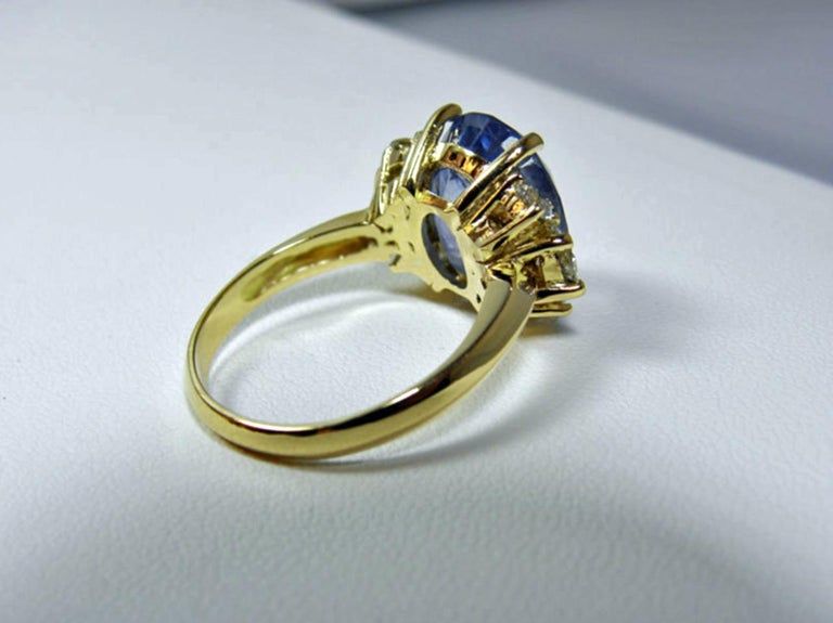 10.80 Carat Certified Untreated Blue Sapphire Diamond Ring 18K  For Sale 2