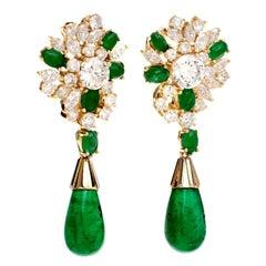 1080s Emerald 18 Karat Yellow Gold Dangle Drop Clip Back Earrings